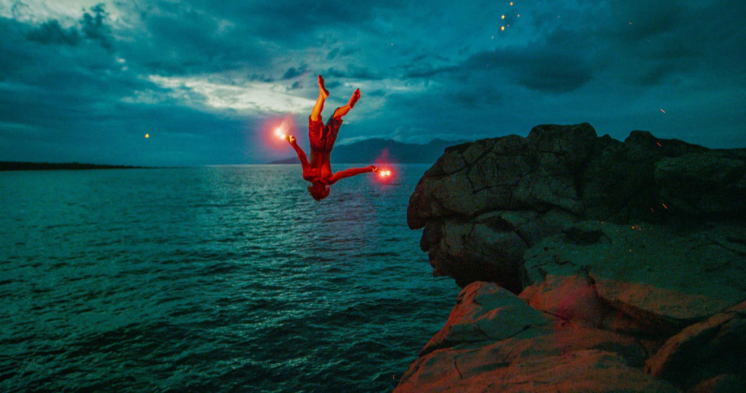 Foto einer springenden Person, nicht mit HDRinstant bearbeitet